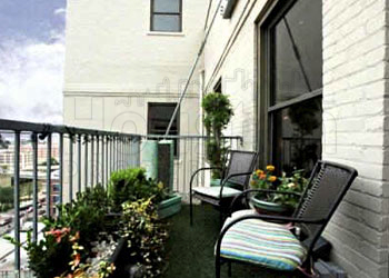 outdoor patio of Houston loft for sale