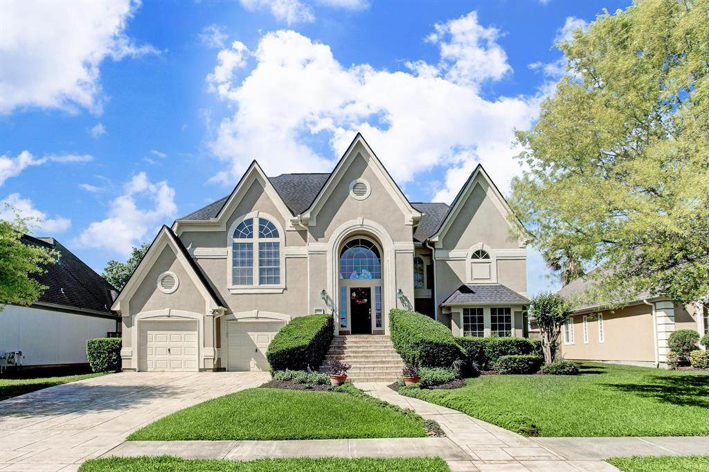 Best Pearland Neighborhoods With Top Schools, Good Amenities, & Great Access